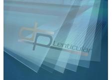 Feuilles, réseaux lenticulaires - <p>La technologie lenticulaire est un procédé de haute résolution qui permet de créer des effets visuels tels que les images en relief (auto stéréoscopie) ou animées et la production d'images autostéréoscopiques ou animées en utilisant des <strong>feuilles lenticulaires</strong> et des techniques d'impression offset, digitales ou flexographiques.</p>