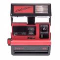"""POLAROID 600 CAMERA """"COOL CAM RED"""" - <p>Lepolaroid600 """"CoolCamRed"""" est une édition limitée, une variation duPolaroidSun 600 sympa et facile à utiliser, parfait pour commencer !<br />Il est décliné en plusieurs coloris rétro, incluant cette version rouge et noire.<br /><br />Le """"coolCamred"""" a étéreconditionnéet remis à neuf avec une nouvelle """"FrogTongueImpossible"""" permettant de protéger un max vos photos lorsqu'elles sortent de l'appareil.<br />Il fonctionne uniquement avec les c</p>"""