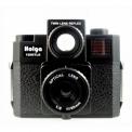 HOLGA 120 GTLR - <p>Descendant de la lignée Holga, voici le Holga 120 GTLR !</p> <p>Les principales caractéristiques de cet appareil est un système de caméra à double lentille,en faisant éclater le viseur au niveau de la taille, vous serez en mesure de voir ce que vous photographiez.</p> <p>En outre, avec la lentille de verre, il vous aidera à obtenir une image plus netteet vous vous permettra de produire des images en moyen format avec le look et le rendu du Holga: fuites de lumière et vignettage inattendus !!</p> <p>Selon l'envie de moment, vous pourrez utiliser l'un des trois filtres.... Le rouge, le jaune ou le bleu ?</p>