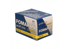 Fomapan 100 - <p>Le Fomapan 100 est un film négatif noir et blanc panchromatique caractérisé d'une haute résolution.</p> <p>Ayant ungrain fin etune large latitude d'exposition ce film peut être retenu à 50 ISO comme poussé à 400 ISO.</p>