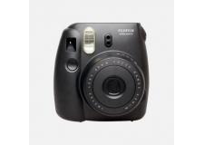 FUJI INSTAX MINI 8 BLACK - <p>L'instax Mini 8 est un appareil photo argentique instantané hyper simple d'utilisation. Les photos au format carte de crédit sont d'une grande qualité. L'instax Mini 8 fonctionne avec des cartouches de 10 photos vendus séparemment.</p>