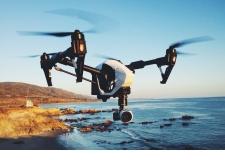 Prise de vue aérienne au drone - Partie 1 - Cadre réglementaire et initiation à la pratique - <p>Connaitre le cadre légal et le fonctionnement d'un drone afin de pouvoir effectuer des missions de prise de vue en sécurité.</p>