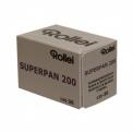 Rollei Superpan 200 - <p>La rollei Superpan 200 est un film superpanchromatique(sensible aux rayonnements de longueurs d'ondes comprises entre 480 et 750 nm) fabriqué à Mortsel, en Belgique par Agfa-Gevaert. Cette émulsion, caractérisée par un grain très fin, et donnant d'excellent résultats d'ISO 100 à ISO 400.</p> <p>Peut être développé en diapositive Noir et Blanc.</p>