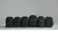Collection de sacs Manfrotto Advanced 2 - Fiabilité et Fonctionnalité. La nouvelle collection Advanced² offre des produits fonctionnels de qualité avec une nouvelle touche «urbaine», pour les amateurs de photographie. Ces sacs sont pratiques pour un usage quotidien et pour voyager : nouvelle attache pour trépied, nouveaux séparateurs, nouvelles poches et housse de protection pluie. Leur look a aussi été modernisé. - Sacs fonctionnels, résistants, légers et élégants. - Nouveau design urbain. - Parfaitement compatibles avec les trépieds Befree Advanced grâce à un système d'attache pour trépied innovant. - 6 types de sacs à dos pour répondre aux besoins des photographes et à leurs préférences d'utilisation.  - 14 types de sacs et 14 façons de transporter confortablement et en toute sécurité son équipement avec le plaisir de photographier. - Fabriqués à partir de matériaux de haute qualité, robustes, résistants et légers. L'importance portée au détail et à l'esthétique représente à la perfection l'héritage italien de Manfrotto.