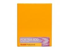KODAK PORTRA 400 NEW 4X5 INCH - <p>Vous l'avez souhaité ? Kodak l'a fait, La PORTRA 400 existe en plan film 4X5 inch !</p> <p>La PORTRA 400 est le film négatif couleur à sensibilité élevée présentant le grain le plus fin au monde. Avec une sensibilité ISO 400 réelle, ce film permet d'obtenir des tons chair impressionnants en plus d'une saturation exceptionnelle des couleurs sur une large gamme de conditions d'éclairage.</p> <p>Depuis des années, les photographes professionnels préfèrent les films KODAK PROFESSIONAL PORTRA pour leur restitution naturelle et douce des tons chair. Dans cette même tradition, le nouveau film PORTRA 400 est le choix idéal pour prendre des photos de mode et de portrait, des photos représentant la nature ou lors d'un voyage et des photographies en extérieur, où tout se passe très vite ou lorsqu' il est impossible de contrôler l'éclairage.</p>