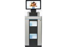 SureLab D7 Studio - <p>Ce microlab jet d'encre utilise les technologies Epson de tête d'impression MicroPiezo™, des encres et de traitement numérique des images.<br />Il comprend un terminal de commande et son module peut inclure jusqu'à deux imprimantes. Les utilisateurs peuvent ajouter jusqu'à six imprimantes D700 supplémentaires, à raison de deux dans chaque module.<br />Placé dans les rayons, il peut être utilisé comme système libre service de production photographique. Placé derrière le comptoir, comme un minillab pour produire de volumes d'impression plus importants.</p> <p><strong>Évolutivité et productivité : </strong>Ne nécessitant que très peut d'entretient grâce aux pièces permanentes qui le compose, sa maintenance ne s'effectue que toutes les 100 000 impressions, la lame de son cutteur est particulièrement durable.</p>