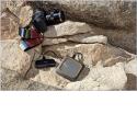 My Passport Wireless SSD - Le My Passport™ Wireless SSD est un disque portable tout-en-un conçu pour préserver les photos et vidéos capturées avec vos appareils photo et drones. Le bouton de copie automatique vous permet de sauvegarder des photos et des vidéosvia le lecteur de carte SD™ ou le port USB intégrés, sans ordinateur portable ou logiciel supplémentaire. Le disque SSD à la fois durable et résistant aux chocset l'amortisseurexterne protègent vos données en cas de chocs ou de chute accidentelle (jusqu'à 1mètre), même lorsque le disque est en cours d'utilisation