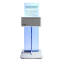 SPEEDLAB MINI - Placé sur un comptoir ou soutenu par un pied central, ce kiosque photo ultra-compact convient à tous les espaces grâce à son look épuré et sa surface au sol de seulement 0.40m² ! La Speedlab Mini®, c'est aussi une machine connectée pour une expérience client intuitive et rapide. Pas d'écran, nul besoin de télécharger une énième application, il suffit de se connecter au réseau WiFi de la Speedlab Mini®. Les photos sont sélectionnées depuis le smartphone. Le paiement se fait en ligne et l'impression est lancée instantanément !