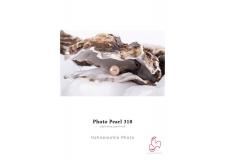 Photo Pearl - <p>Photo Pearl 310 est un papier polyéthylène (PE) à structure fine avec une surface nacrée. La spécificité de la couche réceptrice d'encre permet l'obtention d'une excellente qualité d'image avec une très grande précision des détails, des noirs extrêmement profonds et un très grand espace colorimétrique. Ce papier est régulièrement recommandé dans le cadre de festivals grâce à sa robustesse et sa facilité à exposer autant que son rapport qualité/prix.</p>