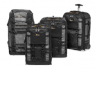 Collection de sacs Lowepro Pro Trekker II - Paré pour de longs voyages. Compatible avec les tailles cabine standards et prêt pour toute expédition, le Pro Trekker II vous accompagne, vous et votre matériel, jusqu'à destination sans perdre un instant. - Adapté aux reflex/hybrides Pro avec optiques montés + nombreuses optiques supplémentaires - Séparateurs MaxFit™ pour un maximum de capacité et de protection - Rangement pour PC Cradlefit™  - Répond aux normes de bagages à main des compagnies aériennes - Voyagez aisément : sangles d'épaule et sangle ventrale amovibles