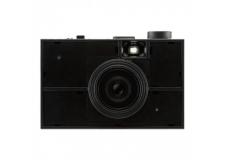 DIY PLASTIC MODEL - LAST CAMERA - <p>Le dernier-né du fabricant japonais Powershovel / Superheadz est un appareil photo argentique 35 mm à monter et à décorer soi-même.<br /><br />Last Camera offre une conception vraiment soignée et vous laisse le champ libre pour customiser entièrement son look !</p> <p>Livré sous la forme d'une maquette en plastique, l'appareil est fourni avec deux objectifs (standard 45 mm et grand angle 22 mm), ainsi que deux boîtiers interchangeables, dont l'un est équipé d'un clapet permettant les fuites de lumière (light leak) pour des résultats surprenants.</p> <p>Réalisé en 2 à 3 heures, le montage de l'appareil propose une approche didactique et ludique de la photographie.</p> <p>À partir de 14 ans.</p>