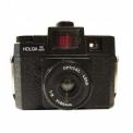 HOLGA 120 GCFN - <p>Le HOLGA 120 GCFN est un boitier entièrement plastique à l'exception des lentilles sur ce modèle qui sont en verre (60mm f/11 ou f/8 selon réglage). Ce modèle intègre également un flash (avec plusieurs filtres selectionnables) débrayable.<br />Vous ferez des images uniques avec cet appareil de caractère !</p> <p>Rien de plus simple à prendre en main, une mise au point au jugé avec 4 modes (portrait, petit groupe, grand groupe, infini), deux ouvertures (f/11 ou f/8), une vitesse d'obturation de 1/100ème et une pose B (bulb), un flash sur lequel vous pourrez choisir la couleur en sélectionnant le filtre adapté (neutre / jaune / vert / bleu), vous pourrez faire deux formats d'image (6x6 ou 6x4.5) avec les différents caches fournis.</p>