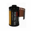 KODAK PORTRA 160 - <p>Le film PORTRA 160 comporte une structure de grain extrêmement fine pour offrir de meilleures capacités de numérisation pour ceux qui traitent leurs images en post-productionet d'agrandissement dans le flux de travail d'aujourd'hui.</p> <p>Choisissez le film PORTRA 160 pour obtenir une reproduction particulièrement naturelle et homogène des tons chair, qui caractérise la série de films négatifs couleur KODAK PROFESSIONAL PORTRA.<br />Ce choix est idéal pour les portraits, les photos de mode et les photos publicitaires en studio ou à l'extérieur.</p>