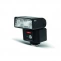 Flash M400 - <p>Le flash METZ Mecablitz M400 Digital / CANON est un flash qui impressionne par sa miniaturisation. Le flash METZ Mecablitz M400 Digital est au moins 30% plus compact que la plupart des flashs externes traditionnels. Ce flash correspond parfaitement aux attentes des Photographes et Vidéographes qui souhaitent trouver des performances de haut niveau et un faible encombrement. Atteignant le nombre guide élevé de 40 NG (ISO 100/21°), le flash METZ Mecablitz M400 Digital peut sadapter à la plupart des scénarios de prises de vues. En fonction des boîtiers, il sutilise aussi en mode maître ou en mode esclave et offre également le mode flash TTL sans fil qui permet dactiver et de contrôler le flash hors-boîtier via des signaux optiques. Le mode TTL AUTO permet de piloter automatiquement le flash par le boitier, idéal pour les débutants. Le flash METZ Mecablitz M400 Digital est doté également une lampe vidéo LED pour éclairer les shootings vidéo ou travailler les ombres. </p>