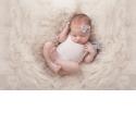 Newborn - photographier le nouveau né - <p>formation animée par Michaelle PORODO - 3 jours -</p> <p>Savoir aborder avec sérénité la photographie d'un nouveau-né.<br /> Connaitre les accessoires, la lumière, le stylisme pour préparer correctement l'enfant pour la prise de vue.<br /> Faire un editing efficace et retoucher correctement les images.</p>